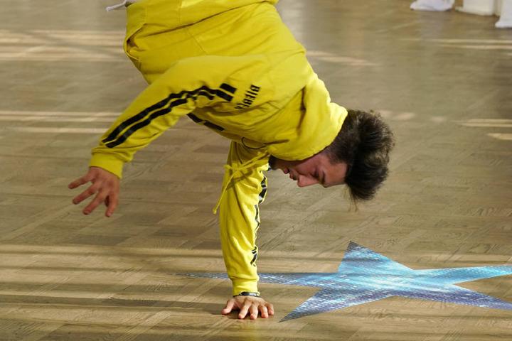 Kaum stand er auf der Bühne, schon vollführte Hakan Breakdance-Moves. (Archivbild)
