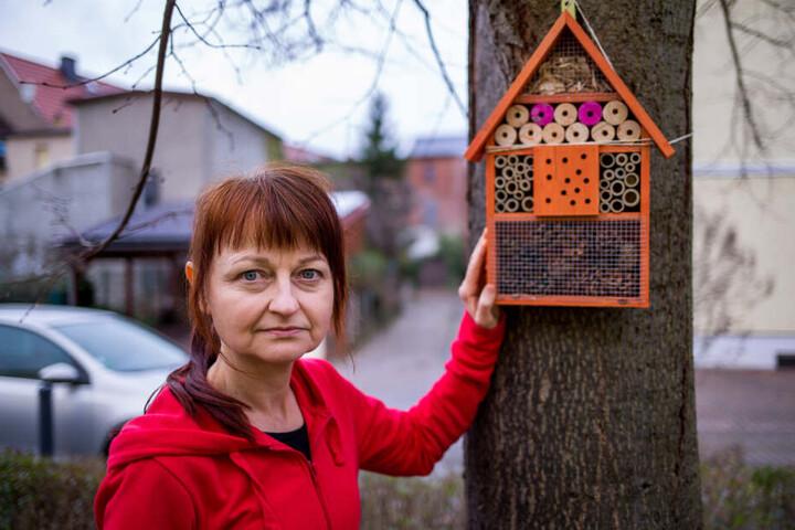 Uta Strenger (52) aus Eilenburg hat nicht nur ein Insekten-Hotel im Garten, sondern auch eine Petition zur Rettung der Bienen gestartet.