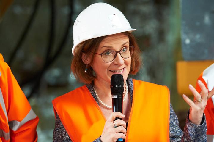 BVG-Chefin Sigrid Nikutta sieht keine Chance die Forderungen zu erfüllen. Dieses Bild zeigt sie bei einer Tunneltaufe Mitte 2018.