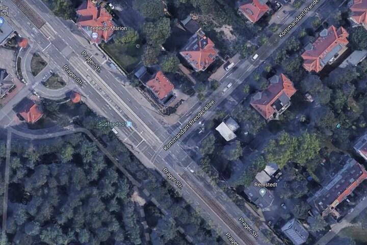 An der Kommandant-Prendel-Allee am Südfriedhof, unweit des Völkerschlachtdenkmals, wurde der 14-Jährige eingeholt erneut geschlagen und ausgeraubt.