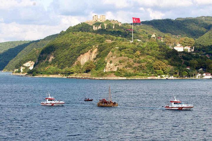 Das Schilfboot hat bereits den Bosporus passiert.
