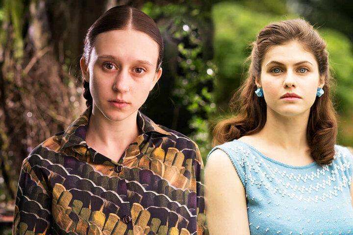 Merricat (l., Taissa Farmiga) und Constance Blackwood (Alexandra Daddario) müssen gegen viele Widerstände ankämpfen.