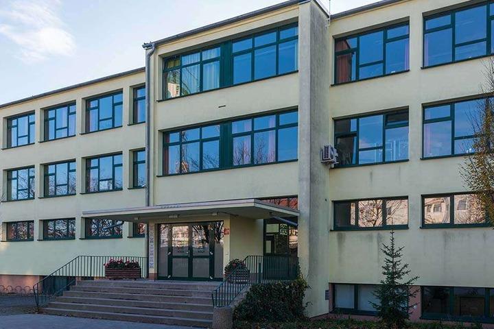 Der Unterricht am HOGA-Gymnasium in Dobritz läuft wieder. Klarheit, ob sie infiziert sind, werden 600 Schüler, Lehrer und Familienangehörige erst Mitte Februar haben.