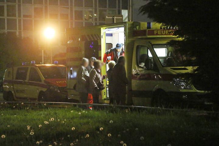 Zwei der Schüler mussten in ein Krankenhaus gebracht werden. Sie erlitten unter anderem Augenreizungen.