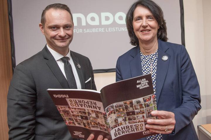 Lars Mortsiefer und Andrea Gotzmann stellten den Jahresbericht der NADA vor.