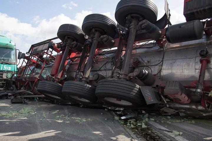 Laut Polizei sind Brummis auf der A4 an jedem dritten Unfall beteiligt, in  drei von vier Fällen auch Verursacher.