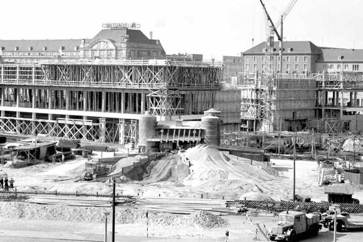 Kulti-Baustelle 1967. Zwei Jahre  später wurde das Gebäude im Dresdner Zentrum eröffnet.