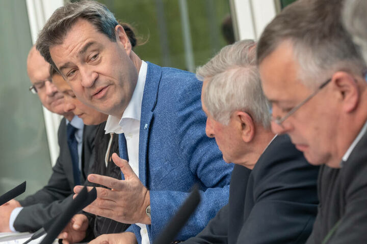 Ministerpräsident Markus Söder will über den Artenschutz in Bayern diskutieren.