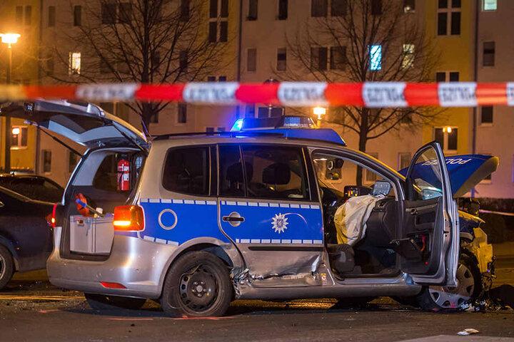 Die Polizei sperrte den Unfallort weiträumig ab.