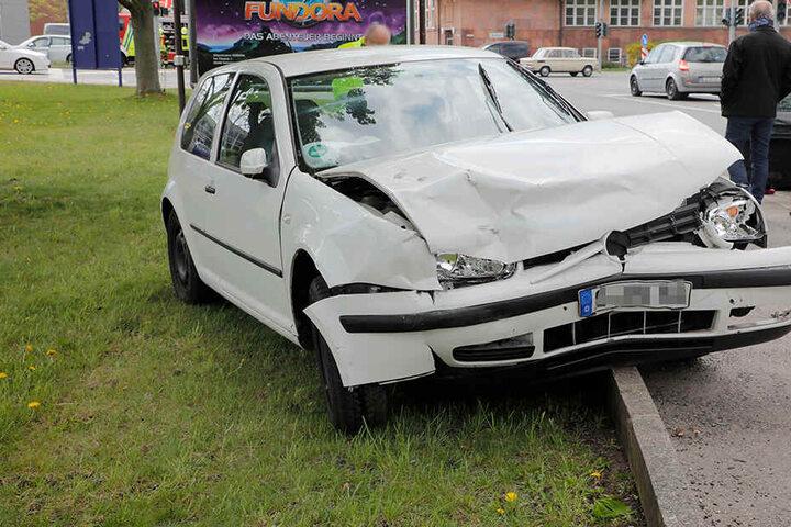 Beide Fahrerinnen wurden bei dem Crash verletzt.