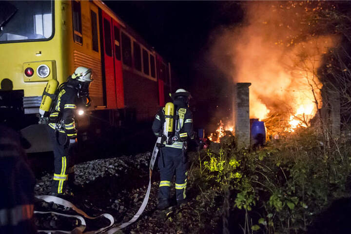 Nachgestellt wurde eine Explosion in der Taunusbahn mit über 100 Verletzten.