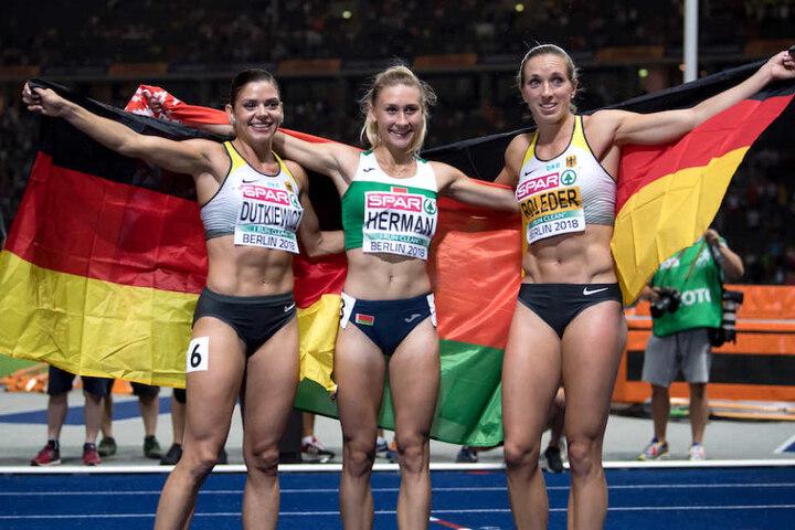 Grund zur Freude: Pamela Dutkiewicz (26) und Cindy Roleder (28) holten Silber und Bronze über die 100 Meter Hürden.