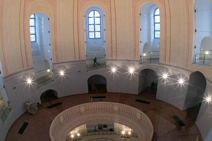 Die Kuppel der Frauenkirche soll geputzt und aufgemöbelt werden. Deshalb steht hier ab Januar ein Gerüst.