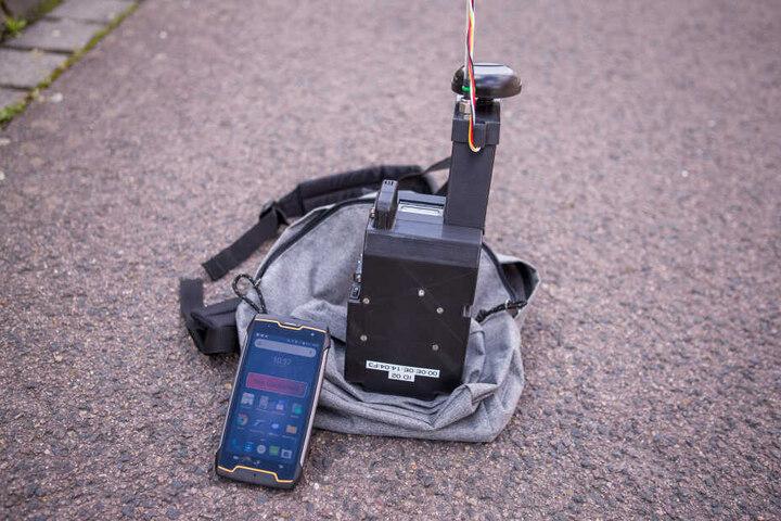 Das Leipziger Tropos-Institut stattet Freiwillige mit einem speziellen Rucksack aus und macht sie zu wandelnden Messstationen.