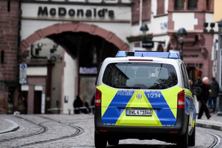 Polizei-Präsenz nach der Gruppenvergewaltigung in Freiburg.