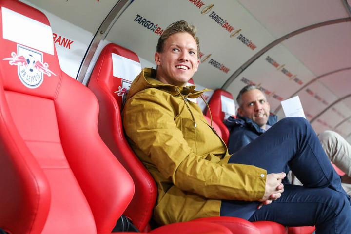Die Trainer-Rolle wird künftig Julian Nagelsmann (vorn) übernehmen.