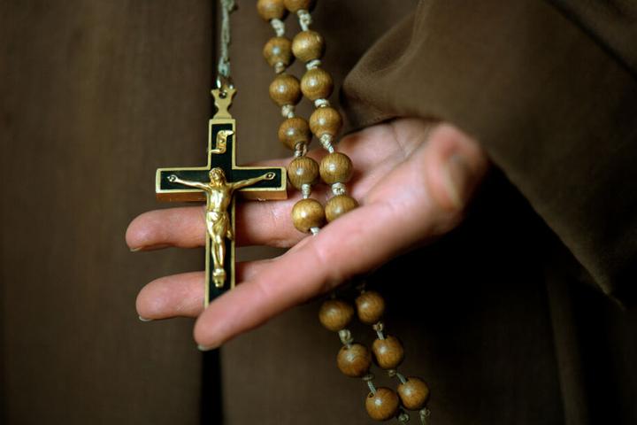 Der Mann gab an, dass er zum christlichen Glauben gefunden habe und sich deswegen bei der Polizei gemeldet habe. (Symbolbild)