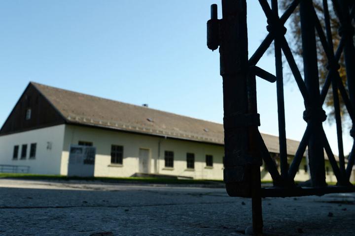 Etwa 900.000 Menschen besuchten demnach zuletzt die KZ-Gedenkstätte Dachau im Jahr.