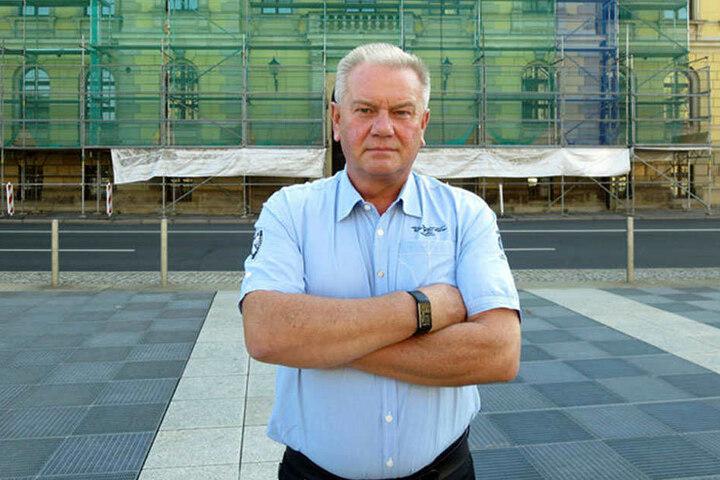 Um 30.000 Euro betrogen: Tankstellenpächter André Engelhardt (60) steht vorm Leipziger Landgericht. Er verklagt die Volksbank auf Schadensersatz.