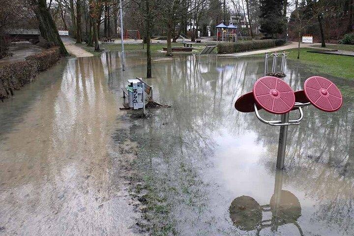 Auch die Maiwiesen am Bolldammbach wurden überschwemmt.