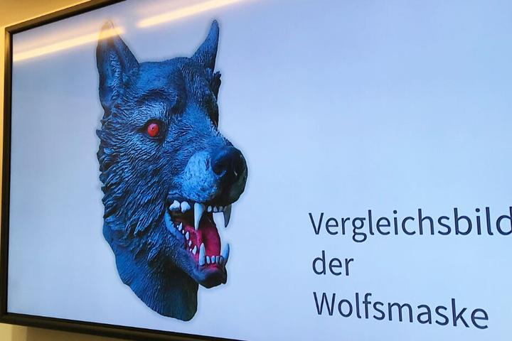 Der Täter trug während des schockierenden Übergriffs auf das Mädchen eine Wolfsmaske.