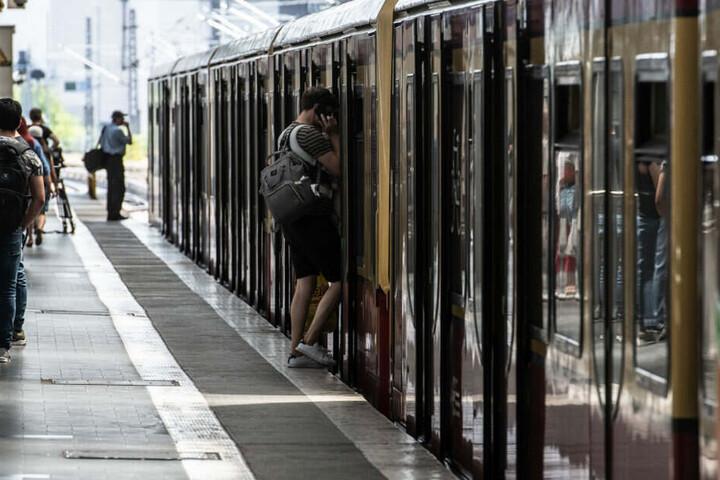 DIe Täter flüchteten am S-Bahnhof Prenzlauer Allee. (Symbolbild)