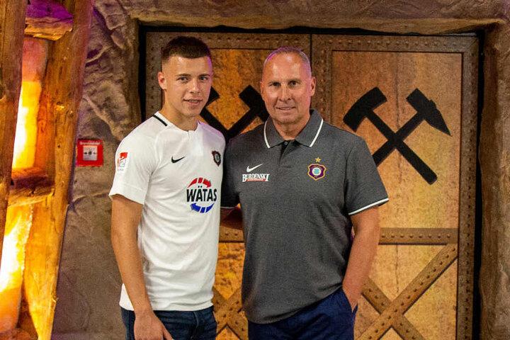 Kommt vom serbischen Rekordmeister Roter Stern Belgrad: Stürmer Njegos Kupusovic (18).