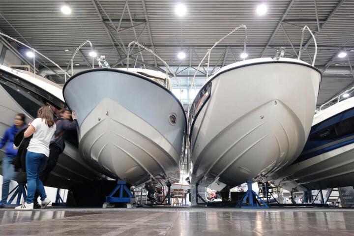 Ein neues Boot gefällig? Auf dem Leipziger Messegelände dreht sich alles um Wassersport.