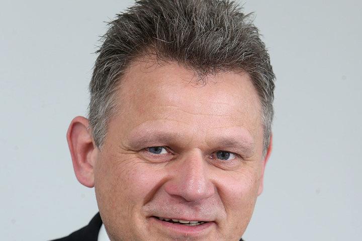 Frank Lämmerhirt (52) Chef der HypoVereinsbank in der Brückenstraße.
