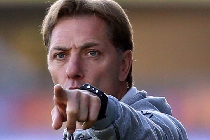 SCP-Trainer René Müller gibt die Marschroute vor.
