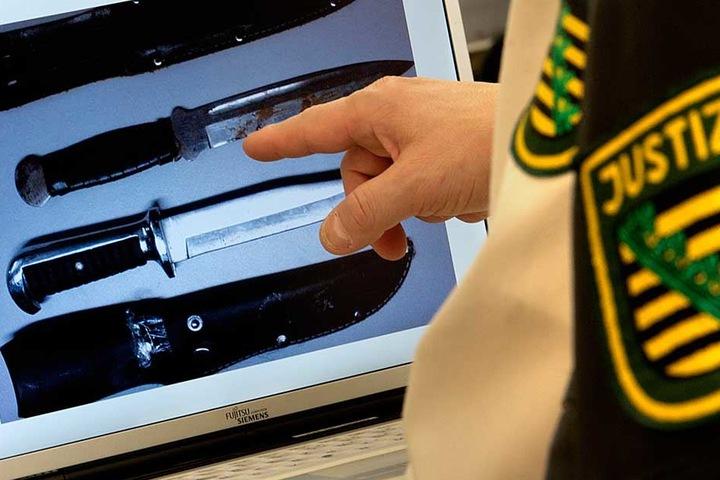 Drei Messer im Sinne des Waffengesetzes wurden 2017 bei der Einlasskontrolle beschlagnahmt.