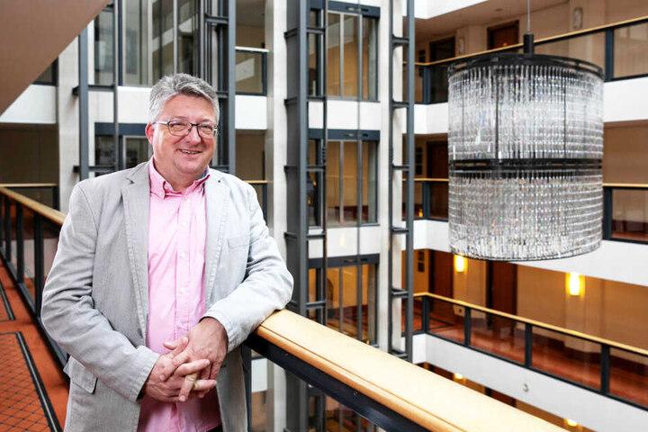 Schläft gern mal zum Schnäppchenpreis in Luxushotels: André Hennig (52) ist Stammgast bei der Aktion.