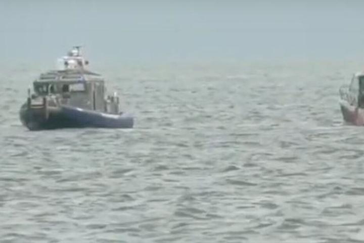 Der Lake Michigan. Rettungskräfte und die Marineeinheit sammelten die kleine Laila ein.