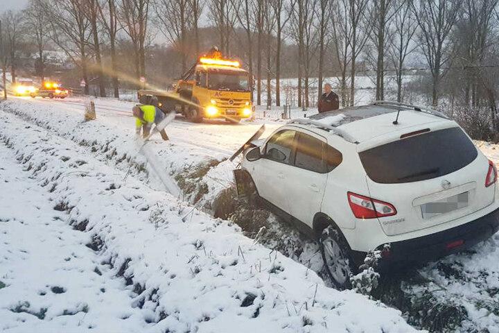 Die Straße wurde während der Unfallaufnahme gesperrt.