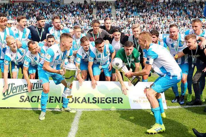 Pokalsieger und Aufsteiger: Der CFC macht seinen vorhergesagten Weg.