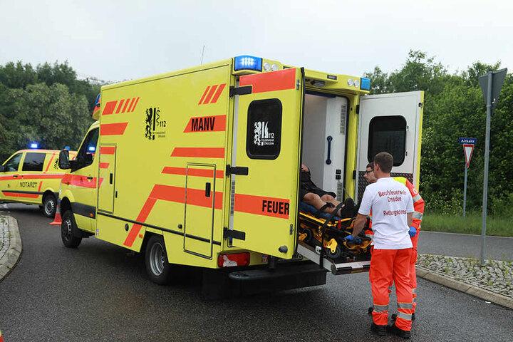 Beide Fahrer sollen bei dem Unfall schwer verletzt worden sein.