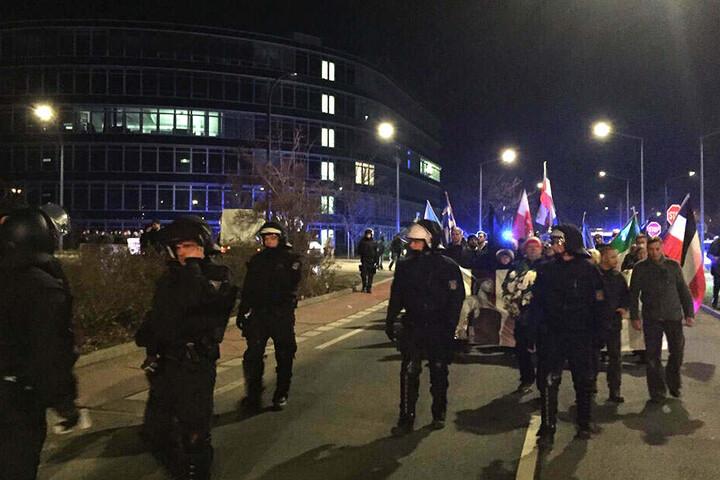 Über die Ammonstraße geht der Demo-Zug.