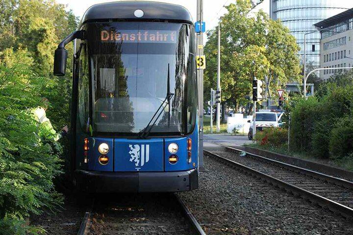 Der Straßenbahn-Betrieb musste nach dem Unfall unterbrochen werden.