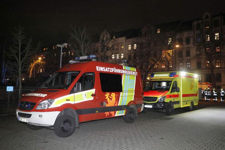 In Chemnitz musste die Feuerwehr am Freitagabend in die Hilbersdorfer Straße zu einem Brand in einer Einrichtung für betreutes Wohnen ausrücken.