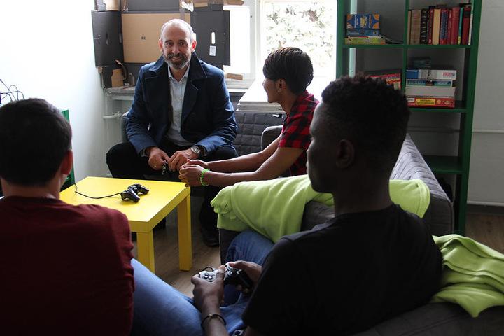Am Mittwoch traf er sich zum Gespräch mit jungen Flüchtlingen.