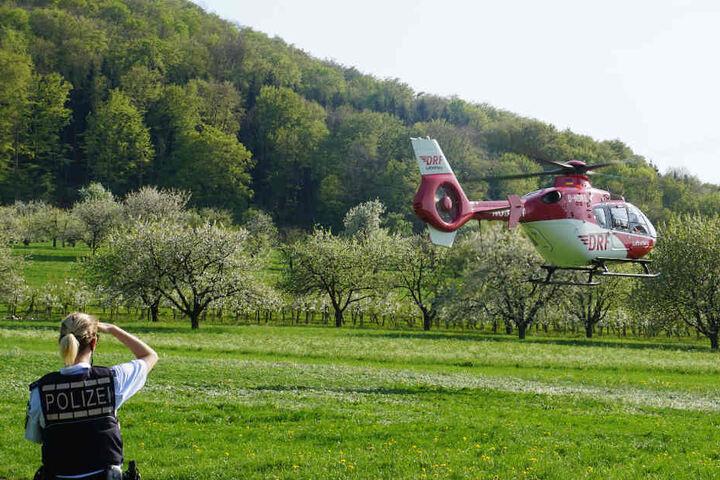 Ein Rettungshubschrauber brachte den 65-Jährigen ins Krankenhaus.