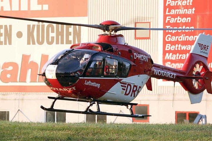 """Der schwer verletzte Biker kam mit dem Rettungshubschrauber """"Christopher 38"""" in ein Klinikum."""