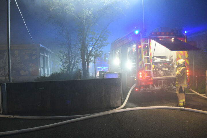 Verletzt wurde bei dem Feuer glücklicherweise niemand.