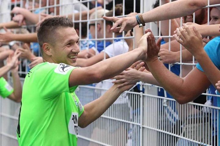 Kann Frahn auch nach dem Spiel gegen Magdeburg wieder mit den Fans jubeln?
