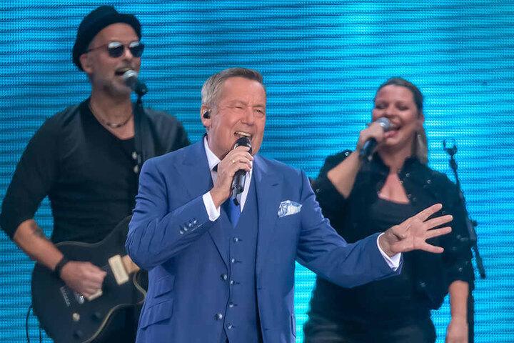 """Zum dritten Mal gab Roland Kaiser auf dem Hartmannplatz seine Hits zum Besten. Die """"Kaiser-Arena"""" war erstmals ausverkauft."""