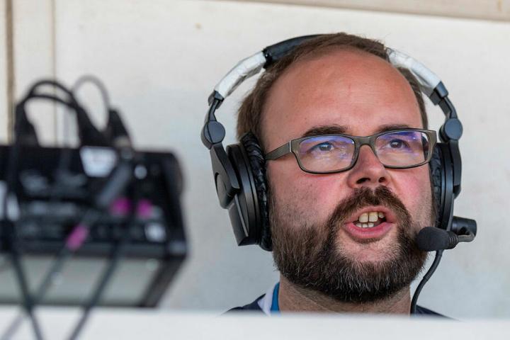 Christian Piwarz ist Sächsischer Staatsminister für Kultus und leidenschaftlicher American-Football-Fan. Er kommentierte für den Sender Sport1 das Viertelfinalspiel der Dresden Monarchs.