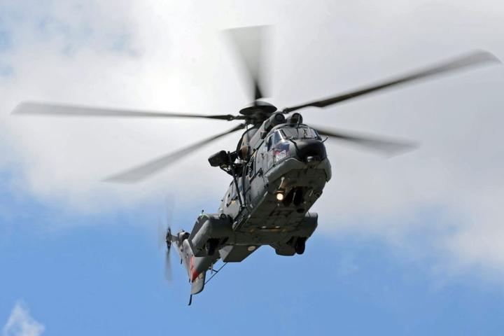 Auch ein Hubschrauber der französischen Luftwaffe war an der Rettungsaktion beteiligt. (Symbolbild)