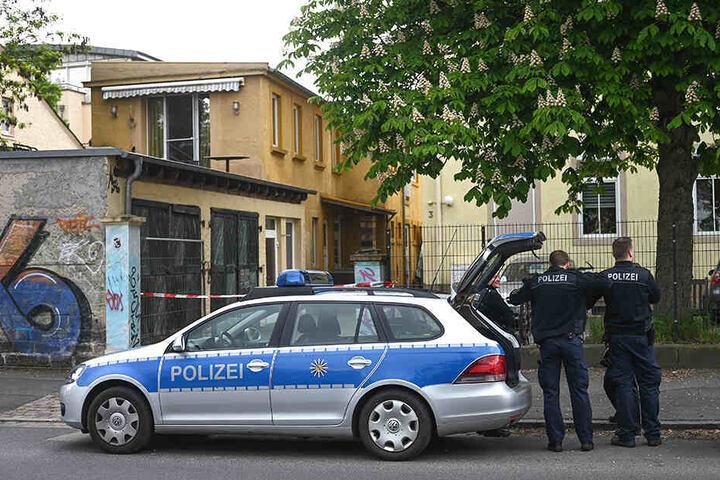Die Polizei am Tatort in Dresden.