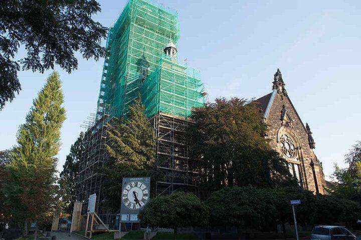 Die Lukaskirche erhält einen neuen Turm samt Turmuhr.