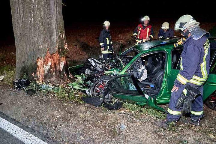 Für den 40-jährigen Fahrer des Unfallwagens kam jede Hilfe zu spät.
